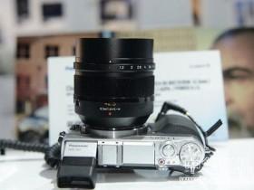 松下发布 42.5mm f/1.2 和 35-100mm f/2.8 镜头