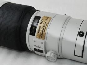 罕见的浅灰色尼康 AF-S Nikkor 500mm F/4 D II镜头现身eBay