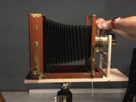 如何将一个8×10胶片后背改造为湿板火棉胶摄影片夹