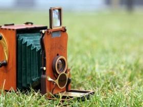 看看这台复古风格的新版Jollylook Auto即时相机