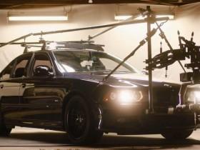 如何将一辆老款宝马M5变成高速终极摄像车?!