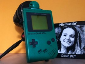 Game Boy相机搭配70-200mm镜头可拍摄人像图像?!