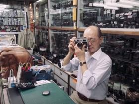 这位香港老人花费60年时间来收集老式相机