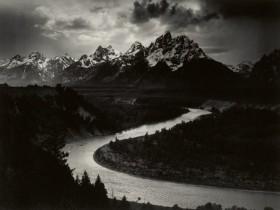 著名摄影师 Ansel Adams的标志性拍摄作品拍卖价格高达691万元!