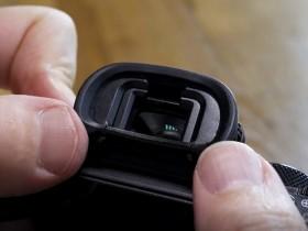 如何清洁相机取景器?