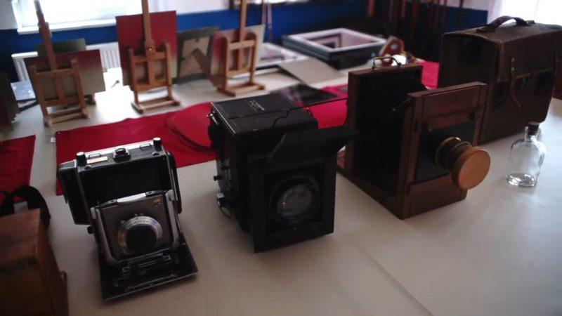 150年的湿版相机拍摄过程的短片