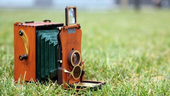 看看这部复古风格的新版Jollylook Auto即时相机