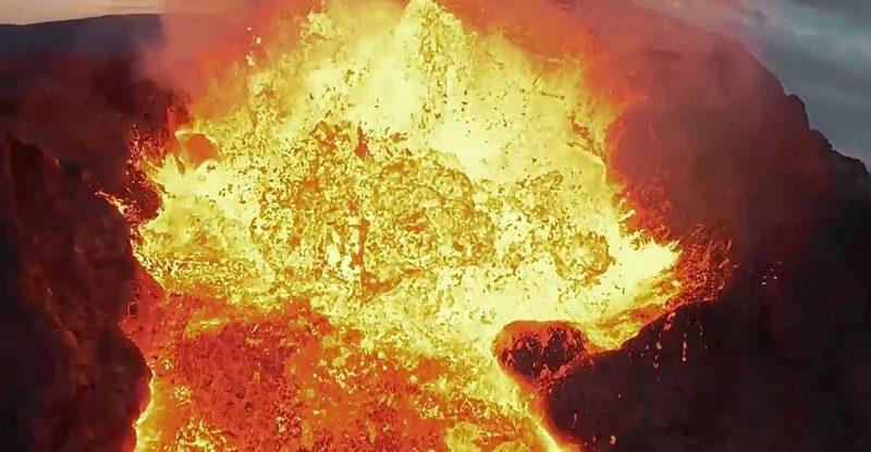 第一视角观看大疆FPV无人机被火山吞噬